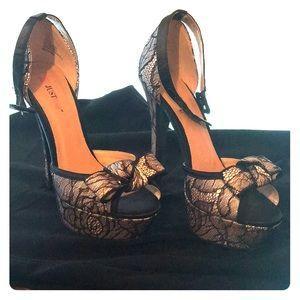 Black/nude Just Fab heels